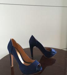 Stradivarius kék magassarkú