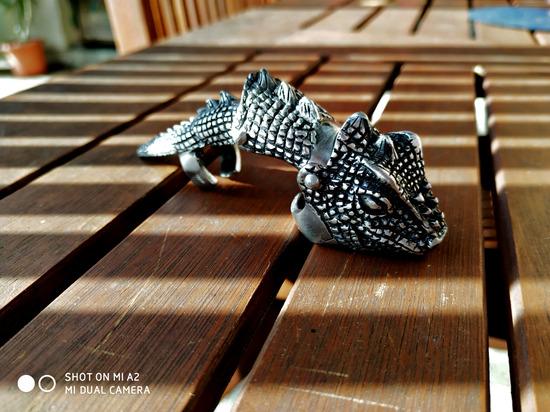sárkány karomgyűrű
