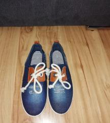 Vadi új cipő