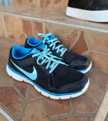 Nike sportcipő 42-es