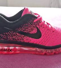 AKCIÓ! Nike cipő, Akasztó gardrobcsere.hu