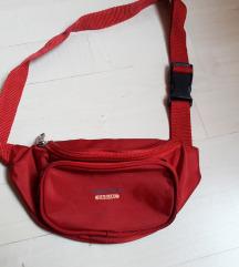 Piros övtáska