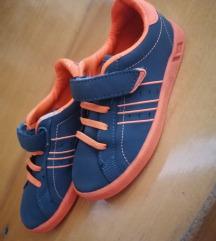 Lonsdale kisfiú cipő eladó 28 - s