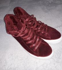 Bordó plüss-bársony tornacipő 39
