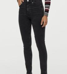 FOGLALT Slim High Jeans