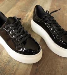 Új  ' Missmali  ' női utcai cipő, 37-es