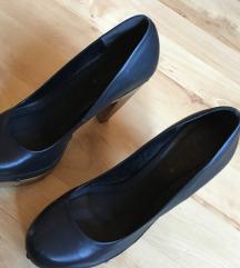 Magassarkú cipő 41