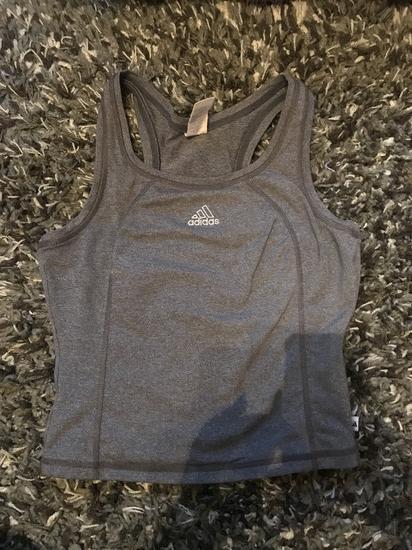 Adidas trikó