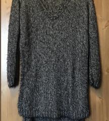 Oldalt hasított hosszú pulóver