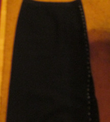 Nagyméretű fekete ceruzaszoknya