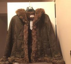 Új cimkés bundás kabát