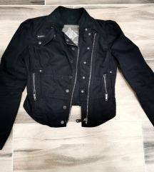 Különleges kabátka 38