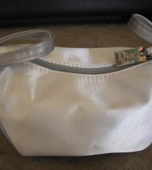 Dior fehér egyedi formájú neszeszer