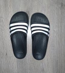 Adidas papucs 36