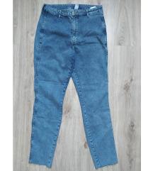 Egyszer viselt H&M sztreccses nadrág 32