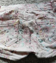 Rózsaszín virág mintás rövidnadrág