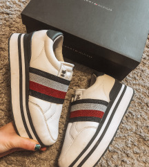 TommyHilfiger✨platformos sneaker cipő