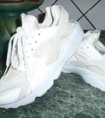 NIKE AIR HUHAACHE   sport cipő   42,5