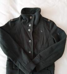 Military stílusú átmeneti szövet kabát