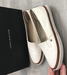Tommy Hilfiger cipő 39 új