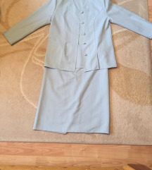 Hibátlan állapotú női kosztüm, 48