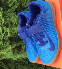 Nike 32