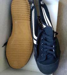 KWON harcművészeti vászon cipő, fekete