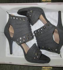 39-es, szürke, bőr szegecses szandi cipő Szexi