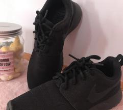Nike rose one fekete
