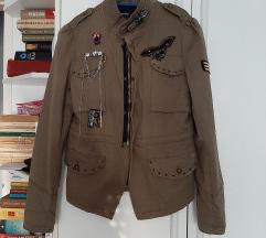 Militari stílusú dzseki