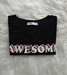 Fekete feliratos rövidujjú póló