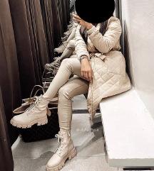 Keresem ezt a kabátot!