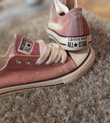 Converse utánzatú cipő
