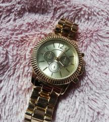 Arany színű óra