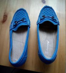Nöi cipő 37-es