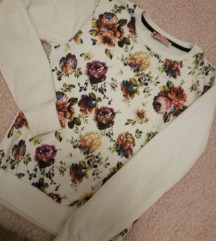 Virágos pulcsi