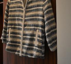 Csíkos rövid kabát