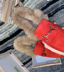 Teljesen új, piros Velur Gucci Stílusú Topánka