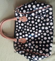 Pöttyös táska
