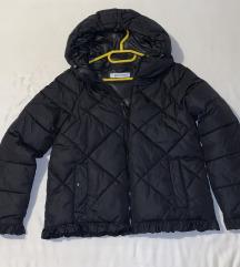Fodros fekete kabát
