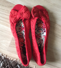 Piros topánka 36