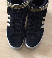 Eredeti Adidas Neo fűzős cipő bakancs fekete