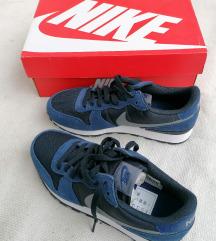 Nike Új 38