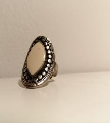 Fehér köves ezüstös bizsu gyűrű állítható