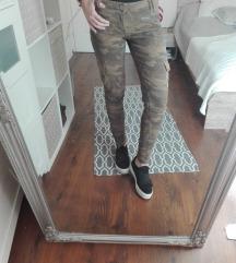 Superdry terepmintás nadrág
