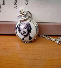 Marilyn Monroe mintás zsebóra nyaklánc