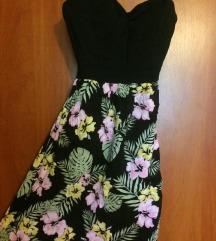 Virágmintás-fekete nyári ruha