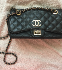 Chanel kis táska