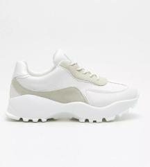 Új Cropp chunky sneaker 37
