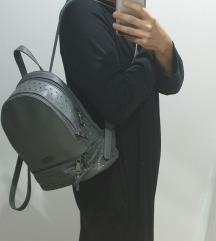 2x használt Nõbo bőr hátizsák